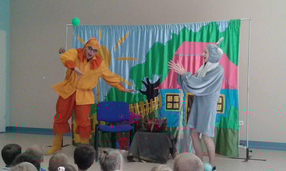 "17.09.2014r. Spektakl teatru ""SKRZAT"" zKrakowa pt.""O babci, krasnalu ikulkach."""