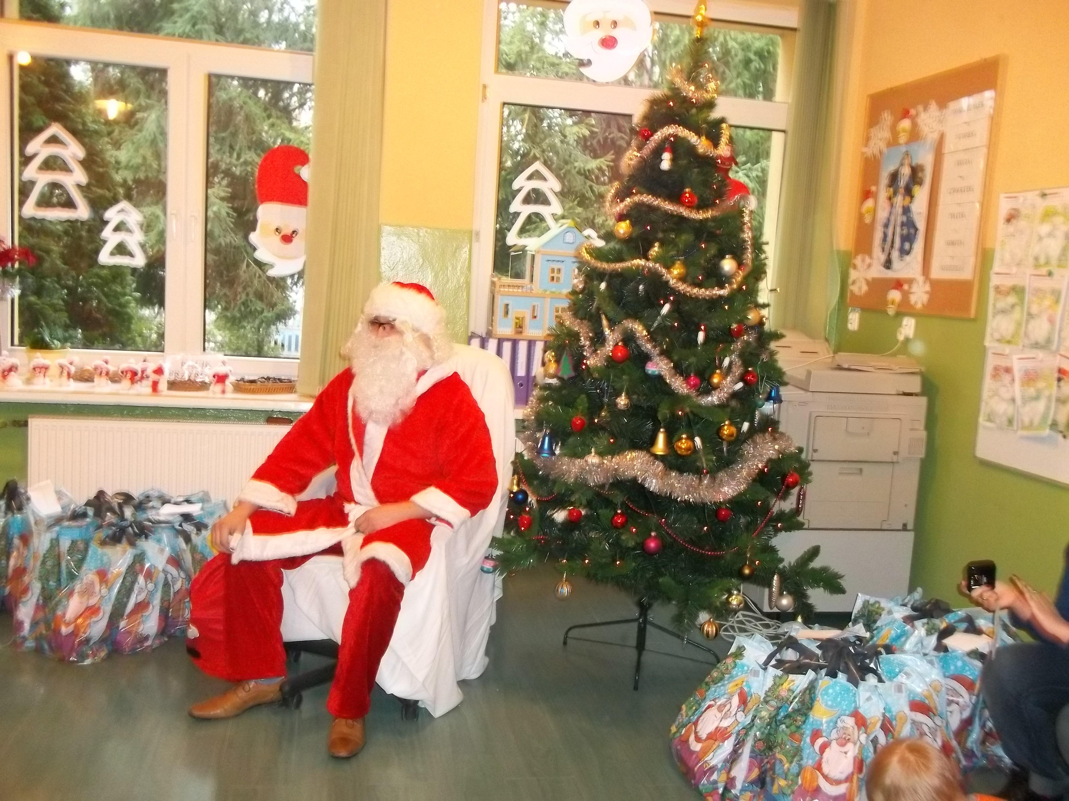 Mikołaj wprzedszkolu